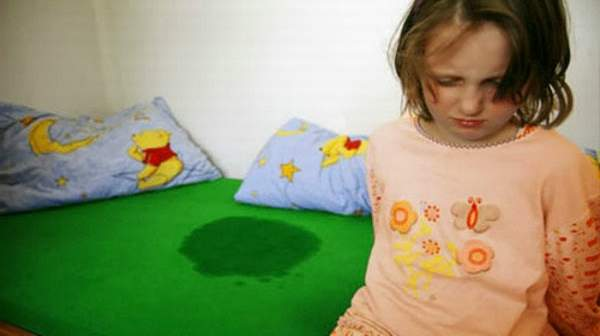 kid-wetting-the-bed Causes and Treatment